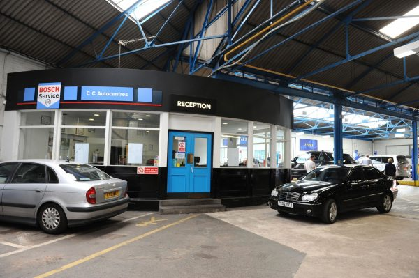 HiQ Tyres & Autocare Wolverhampton
