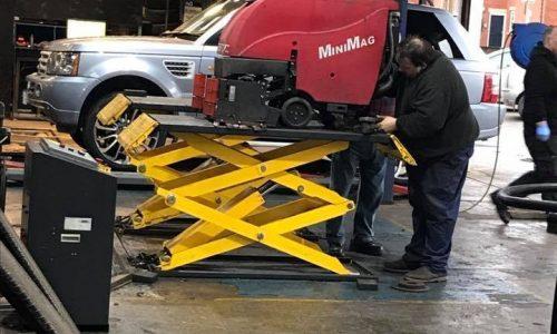 HiQ Dukinfield Vehicle Repairs
