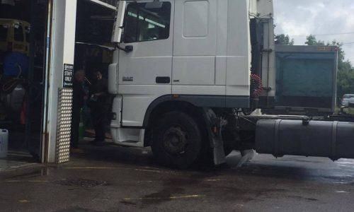 HiQ Dukinfield Air con re-gas for trucks