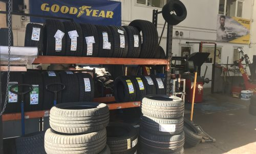 HiQ Dukinfield- Car tyres in stock in a range of sizes and brands