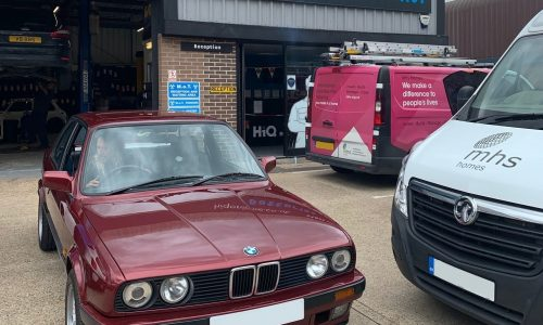 Mechanics rolling in a stunning classic BMW 318i in for a service here at HiQ Tyres & Autocare Maidstone