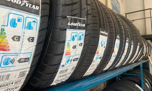HiQ-Tyres-Autocare-Horley-tyre-wall-2.JPG
