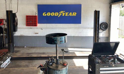 HiQ-Tyres-Autocare-Horley-workshop-new.jpg