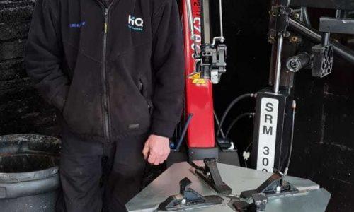 HiQ-Tyres-Autocare-Stafford-Tyre-machine.jpg