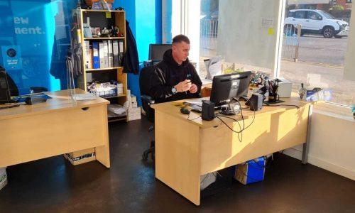 HiQ-Tyres-Autocare-Stafford-reception-front-desk.jpg