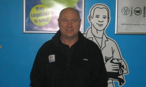 HiQ Dewsbury- Les centre manager