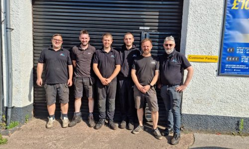 HiQ-Tyres-Autocare-Honiton-picture-of-the-team-recent.jpg