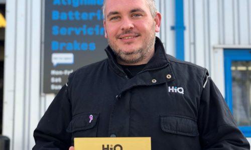 HiQ Medway wins HiQ Gold Standard Award 2018 - Adam with award