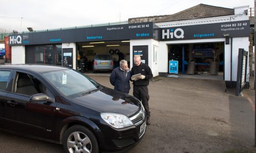 HiQ Queensferry- Jim with a customer