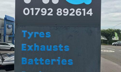 HiQ-Tyres-Autocare-Swanswa-signage.jpg