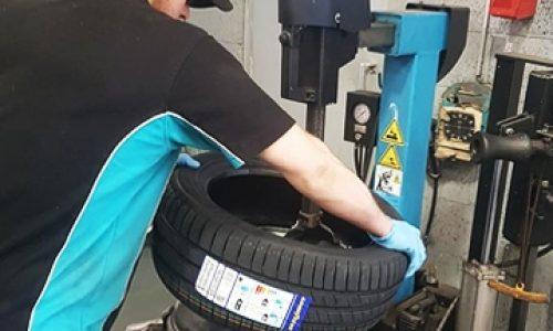 HiQ Neath tyre change