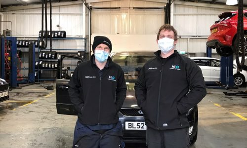 HiQ-Tyres-Autocare-Neath-Team.jpg