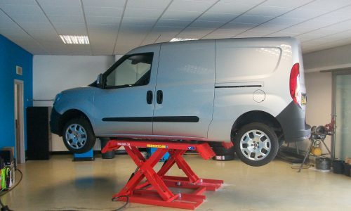 HiQ Llansamlet tyre lift for easy access and speedy repairs