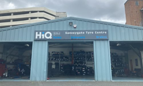 HiQ-Tyres-Autocare-Leicester-exterior-1.jpg