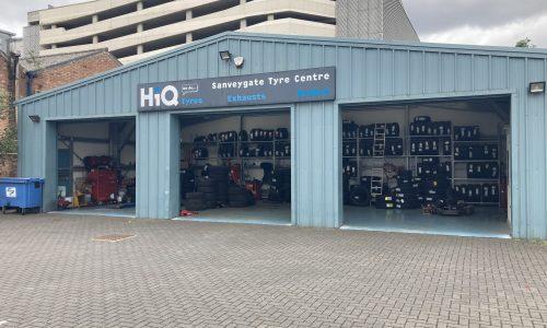 HiQ-Tyres-Autocare-Leicester-exterior-2.jpg