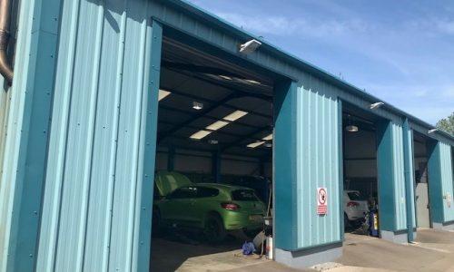 Hi Q Tyres Autocare Ruthin loading bays