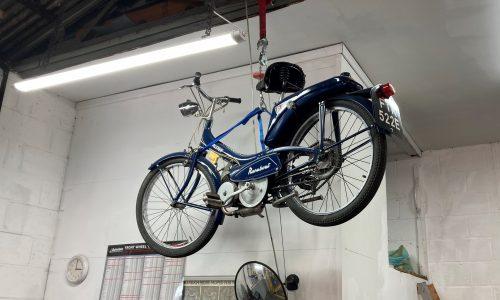 Hi Q Oxford Mounted Bike On Wall