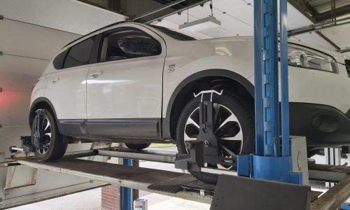 Hi Q Tyres Autocare Burton workshop capability