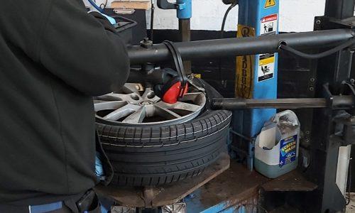 Tyre at Machine t Hi Q Tyres Autocare Burton