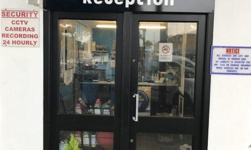 Hi Q Tyres Autocare Goffs Oak Reception entrance