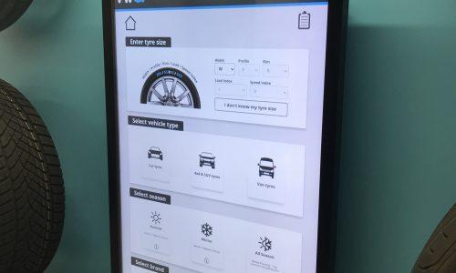 HiQ Henley & Castrol digital screens.JPG
