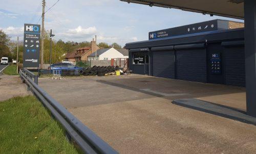 HiQ-Tyres-Autocare-Ashford-exterior.jpg
