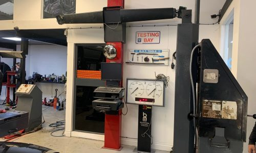 Hi Q Tyres Autocare Walsall Wheel alignment machinery