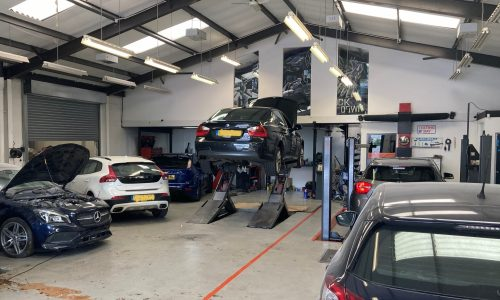 HiQ-Tyres-Autocare-Walsall-workshop-and-customer-cars.jpg