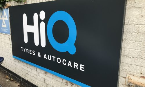 Hi Q Tyres Autocare Maidenhead wall sign