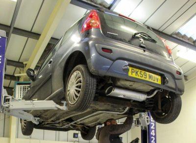 Hi Q Tyres Autocare Preston workshop 4