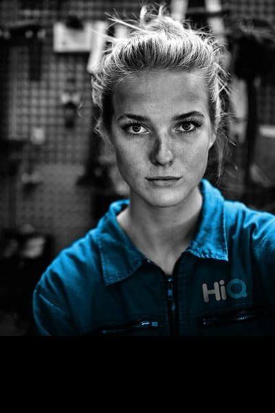 Female mechanic mobile
